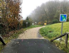 Courir dans le vert < Secret < Guise < Thiérache < Aisne < Hauts-De-France - Photo