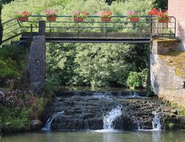 Cascade < Secret < La neuville-les-Dorengt < Thiérache < Aisne < Hauts-de-France - Photo