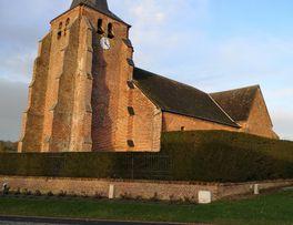 Eglise fortifiée < Saint-Pierre-les-Franqueville < Thiérache < Aisne < Hauts de  -