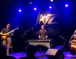 Eric Navet Trio Famili'Jazz < Guise < Thiérache < Aisne < Picardie < France  -