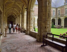 Abbaye < Saint-Michel < Aisne < Picardie -