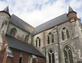 Eglise fortifiée < Montcornet < Aisne < Picardie -