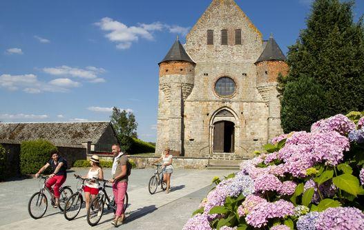 Église fortifiée Saint Rémi < Marly-Gomont < Thiérache < Aisne < Hauts-de-France -