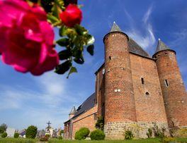 Église fortifiée Saint Nicolas < Englancourt < Thiérache < Hauts-de-France -