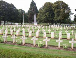 La Désolation < Cimetière Militaire < Flavigny le Petit < Guise < Aisne < Picardie -