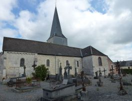 Eglise fortifiée < Any Martin Rieux < Aisne < Picardie  -