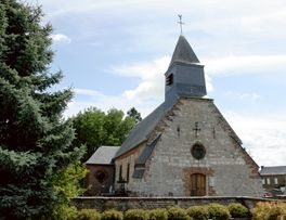 Eglise fortifiée de Wiège-Faty < Thiérache < Aisne < Picardie -
