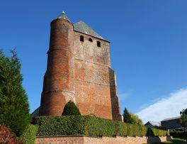 Eglise fortifiée de Prisces < Thiérache < Aisne < Picardie -