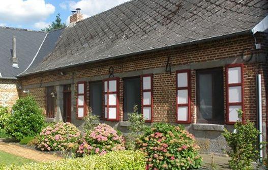 La fermette d'Englancourt facade < Englancourt < Aisne < Picardie -