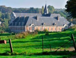 Arrivée à l'abbaye de Saint-Michel -