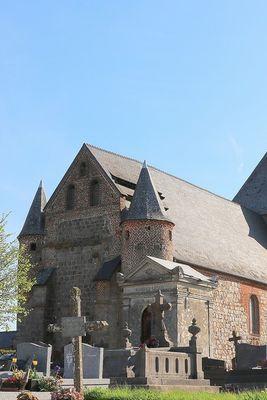 Eglise fortifiée < Englancourt < Thiérache < Aisne < Hauts-de-France -
