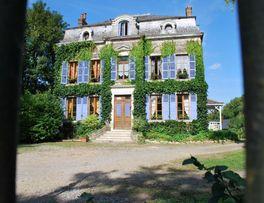 EPARCY Le Château -