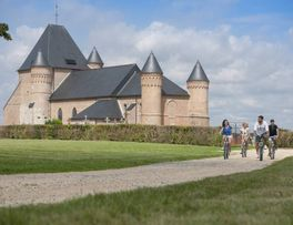 Eglise fortifiée < Flavigny-le-grand-et-Beaurain < Aisne < Picardie -