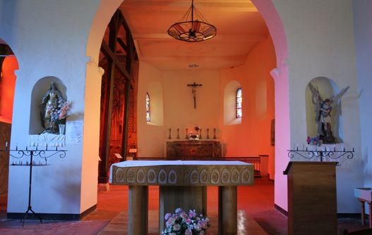 Autel de l'église fortifiée de Jeantes < Thiérache < Aisne < Picardie -
