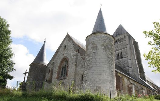 Eglise fortifiée < Chaourse < Aisne < Picardie -
