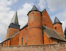 Eglise fortifiée < Lavaqueresse < Thiéraceh < Aisne < Hauts de France -