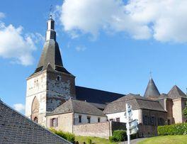 Eglise fortifiée < Dohis < Aisne < Picardie -