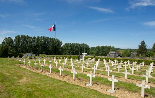 Cimetière d'Effry < Vue d'ensemble < guerre 14-18 < WW1 < Effry < Aisne < Picardie -