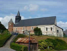 Église fortifiée < Logny les Aubenton < Aisne < Picardie  -