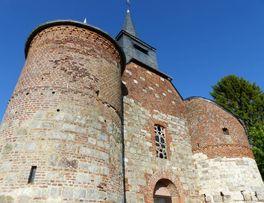 Eglise fortifiée < Bancigny < Aisne < Picardie -