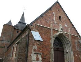 Porche de l'église fortifiée de Rogny < Thiérache < Aisne < Picardie -