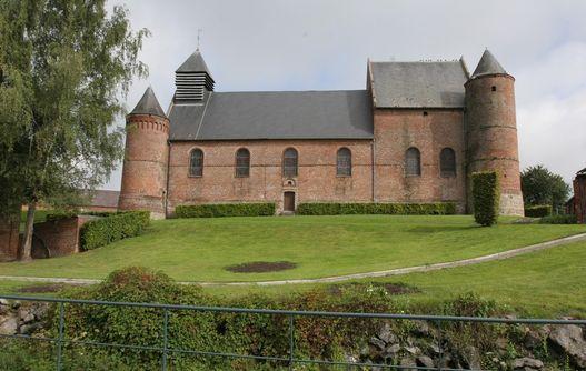 Eglise fortifée d'Esquéhéries < Thiérache < Aisne < Picardie -