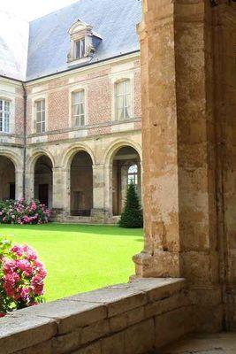 Confirelles < Abbaye < Thiérache < Aisne < Hauts de France  -