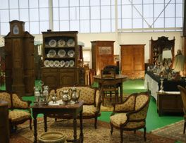 Salon des Antiquaires < La Capelle < Thierache < Aisne < Hauts de France -